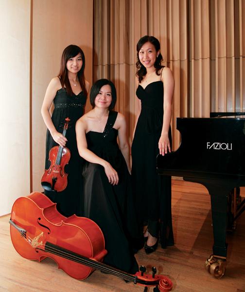 - Ip Ho Wai, Doris (violin), Chu Ka Yi, Jeanie (cello) and Chan Tsz Yan, Ingrid (piano)